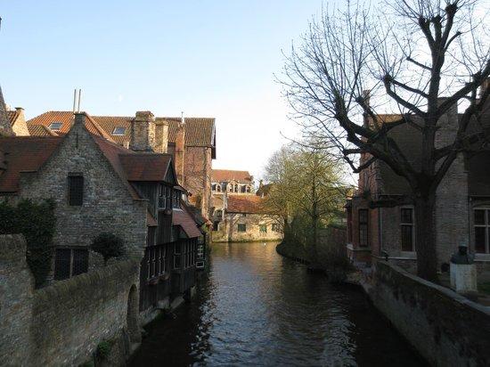 Anselmus Hotel: Un canale di Brugge