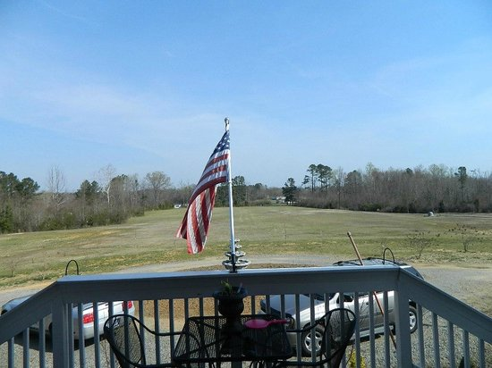 Spring Church Bed and Breakfast: Front Porch view