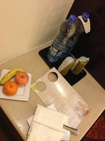 Pearl Continental Lahore: fruit plate on arrival