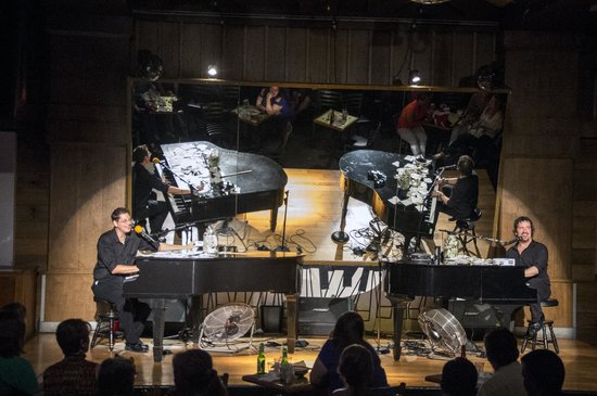 Jellyrolls : Duelling Pianists