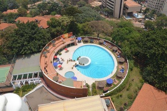 Sheraton Kampala Hotel: POOL AREA