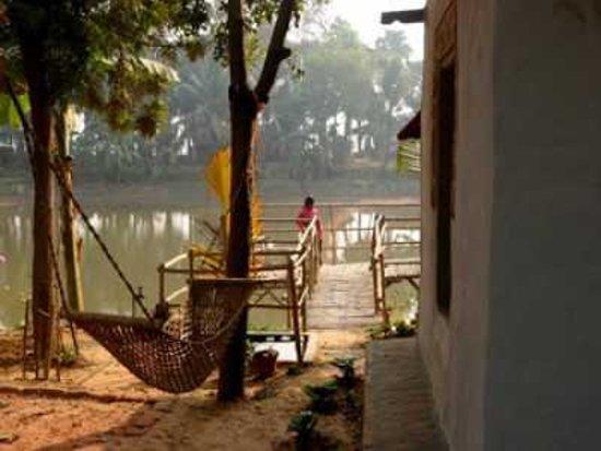 Jiraan the retreat santiniketan west bengal guesthouse reviews photos rates tripadvisor for Resorts in santiniketan with swimming pool
