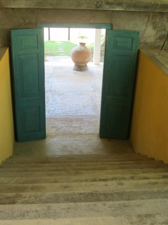 The Last House: View from pool to entrance area