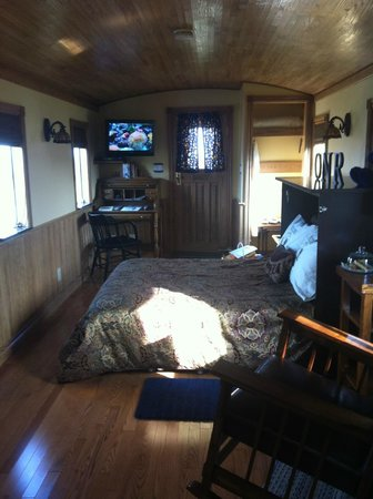 Clearview Station Bed and Breakfast: Inside the Caboose