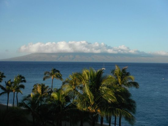 Westin Maui Resort And Spa: Another island from our balcony