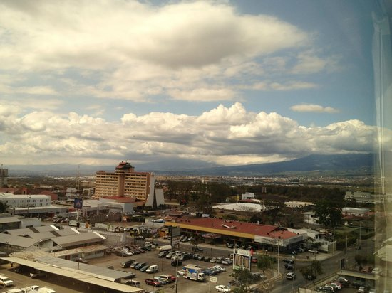 Tryp by Wyndham San Jose Sabana: Vista desde nuestra habitación