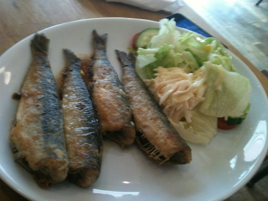 Cafe Trio: The four sardines