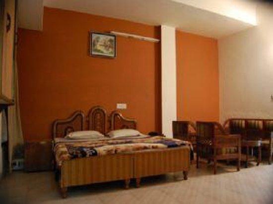 Hotel Abhi International