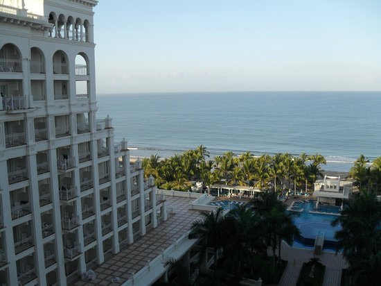 Hotel Riu Palace Pacifico: view from our 7 floor room