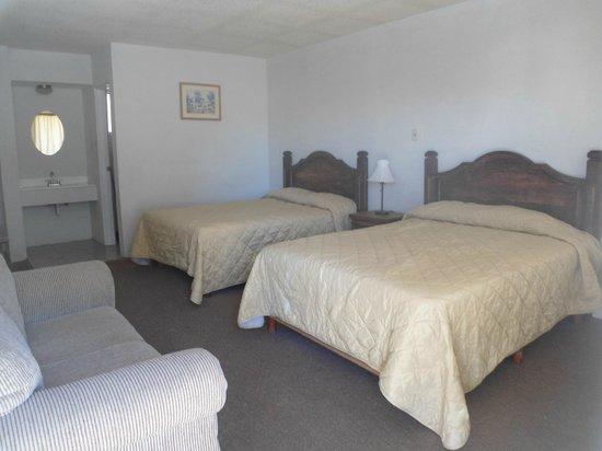 Hotel Regis: Habitacion estandar