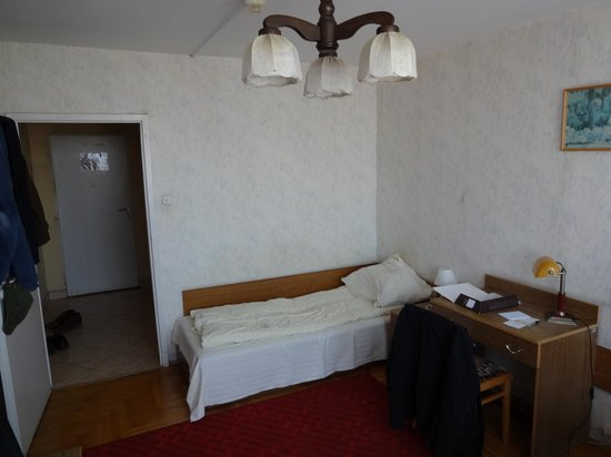 Wieniawa Hotel: view of bed