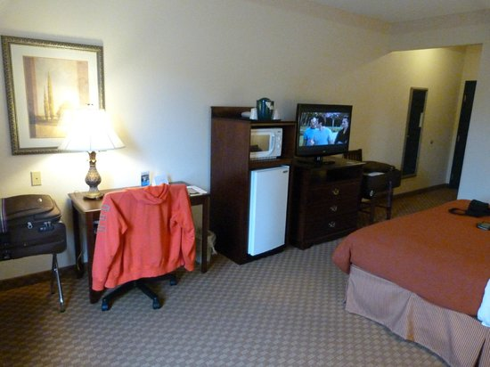 Country Inn & Suites By Carlson, Salisbury: Lay down and get comfortable