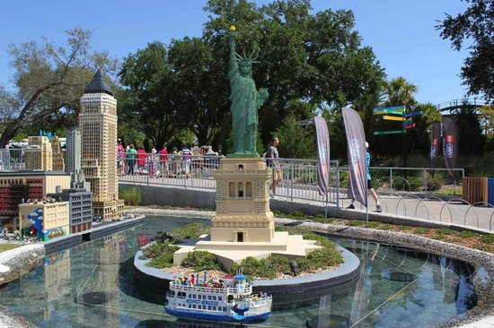 Legoland Florida Resort : Statue of Liberty made out of legos