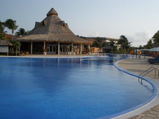 Ocean Maya Royale: Quiet pool