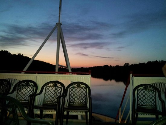 Harriot II Riverboat: what a beautiful skyline!