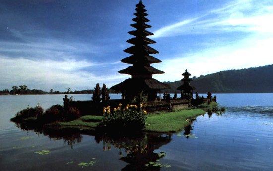 Tri Puri Meru Hotel