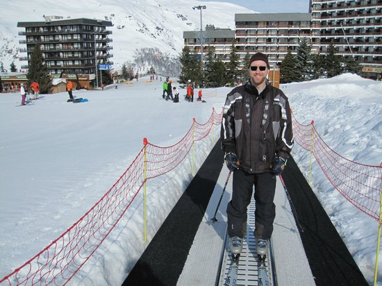 St Martin de Belleville: Magic carpet 1, with snow-bridge in the background