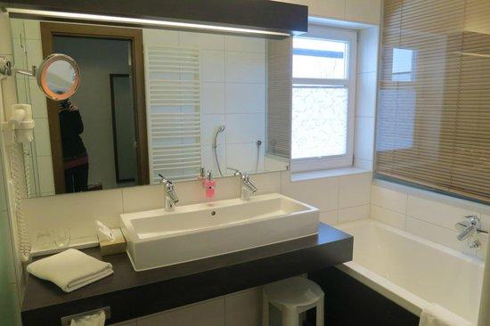 Hotel Alte Post : ванная