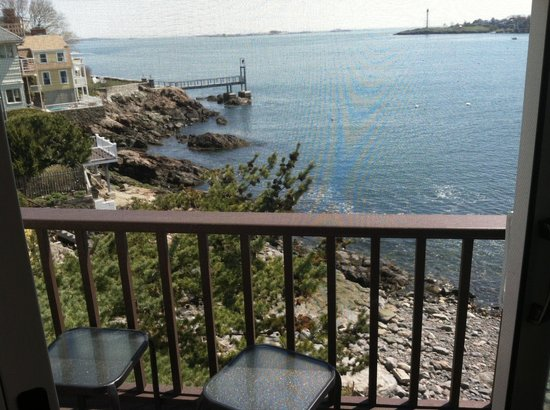 Notorious Annie's Waterfront Inn: Annie's Suite patio (second floor) overlooking private beach