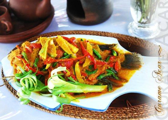 Rafflesia restaurant: Gurame acar, ikan nya segar bumbu acar nya merangsang selera