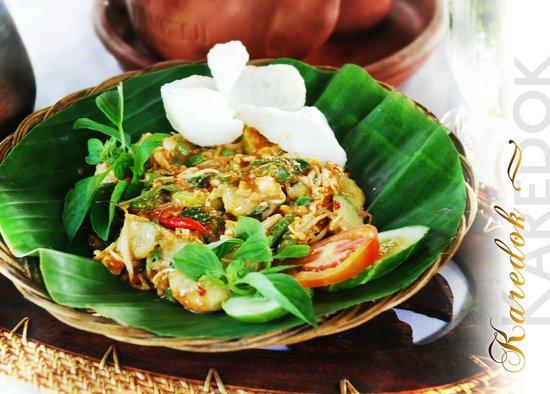 Rafflesia restaurant: karedok  segar, bumbunya kental dan menggigit