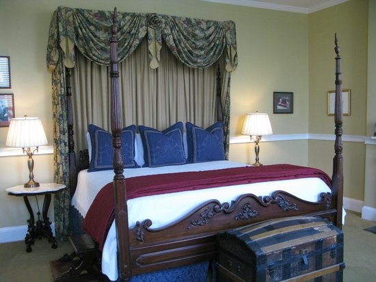 Presidents' Quarters Inn: Room 303 Teddy Roosevelt