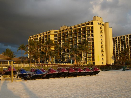 Hilton Marco Island Beach Resort: View of the Resort from the Beach