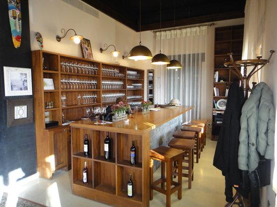 Le Telegraphe de Belle-Vue: Interior Bar Area