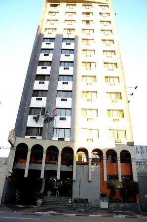 Leon Park Hotel e Convencoes : Fachada