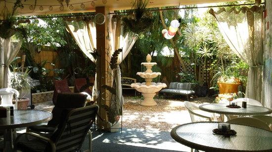 Wiggins Pass Chalet: Rear Garden