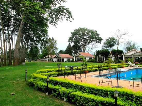 Burra Sahib's Bungalow: Golf cottages