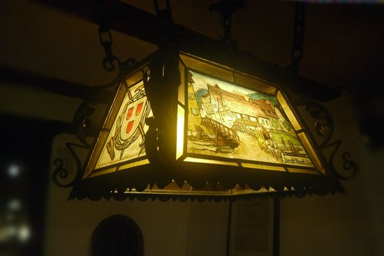 Zur Alten Brucke: A light in the dining room