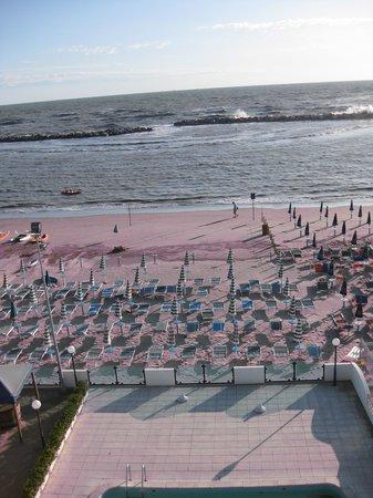 Hotel Internazionale: Blick vom Hotel auf das Meer