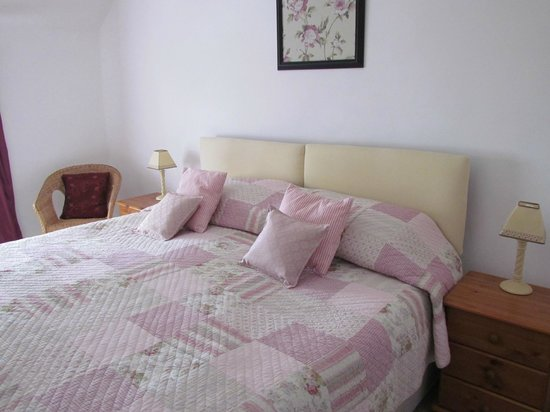 Carmel, UK: Rose room as a Queensize bed