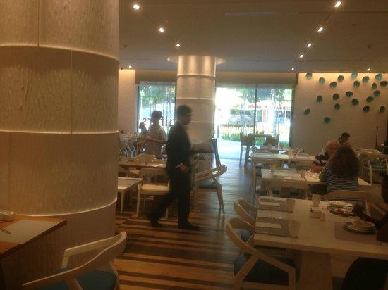 Days Hotel Singapore At Zhongshan Park: Breakfast