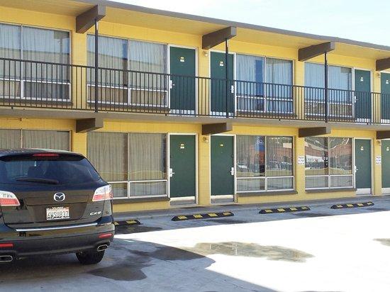 The Marigold Hotel - Downtown Pendleton: Exterior Hotel
