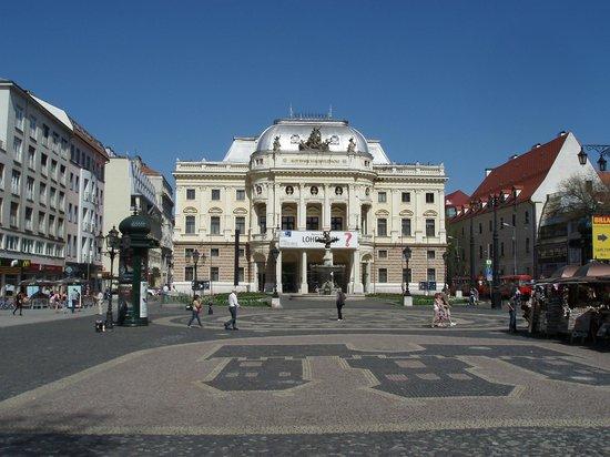 Slovak National Theatre: National Theatre in Bratislava