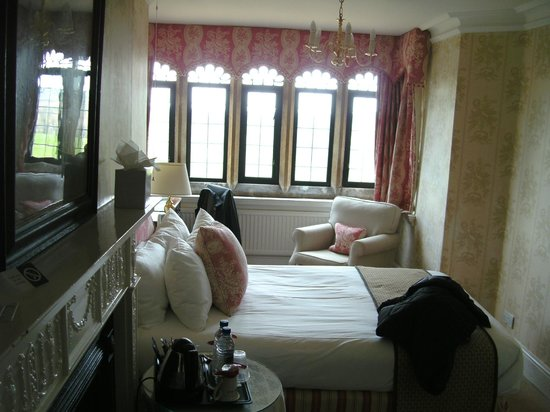 Highgate House Hotel: Our bedroom in the main house.