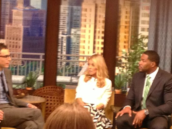 Live with Kelly and Ryan: Live2