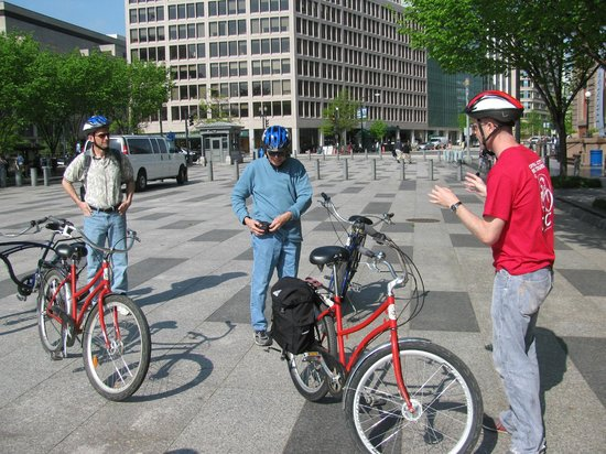 Capital City Bike Tours : Our guide, Felipe, had a ton of info for us.