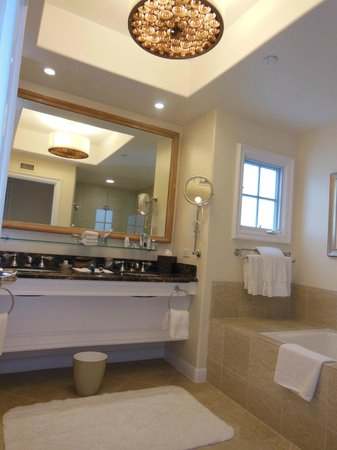 Four Seasons Residence Club Aviara, Carlsbad Ca.: Master Bathroom