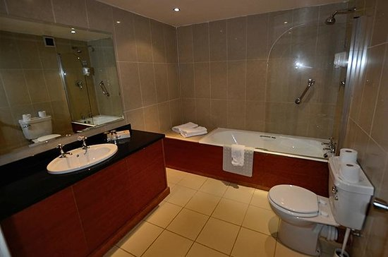 Imperial Hotel Galway: Bathroom