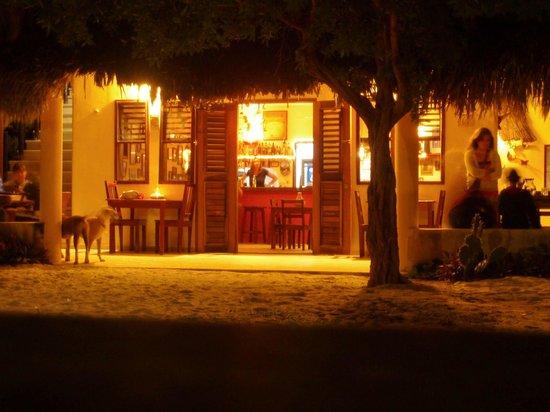 Hotel Maya Luna: Dining