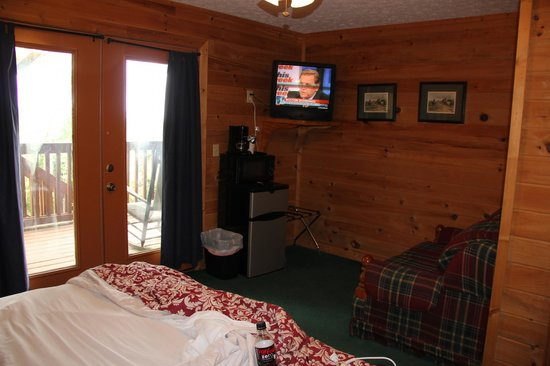 Mountain Top Inn: Lodge # 5 TV