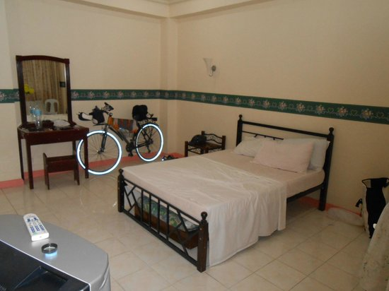 Ampil Pensionne: Room / suite