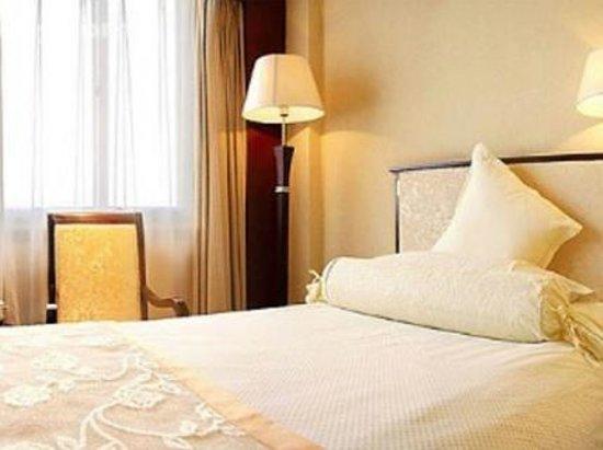 Yu Long Hotel Photo