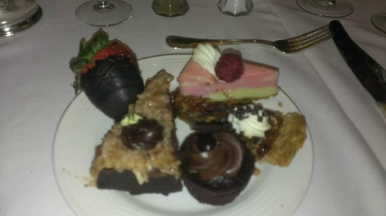 Sunday Champagne Brunch at the Jefferson Hotel: A wonderful dessert plate!