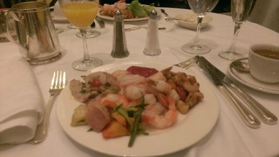 Sunday Champagne Brunch at the Jefferson Hotel: Everything was just delish !