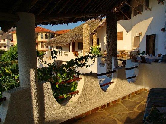Jambo House Resort: Particolare con la grande terrazza