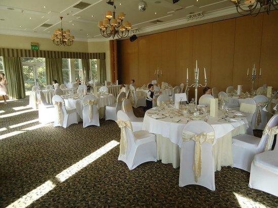 Macdonald Crutherland House: Preparing for the wedding breakfast